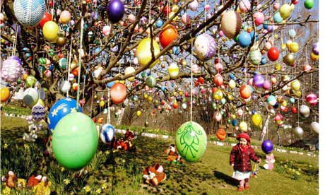 Easter-eggs-hanging-from--001